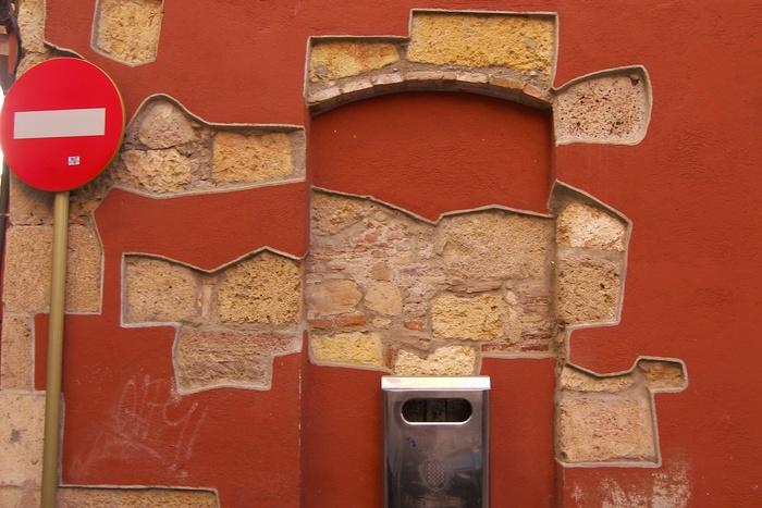 Spots Of Bricks